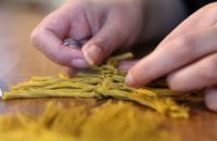 L'art de faire des noeuds : le macramé
